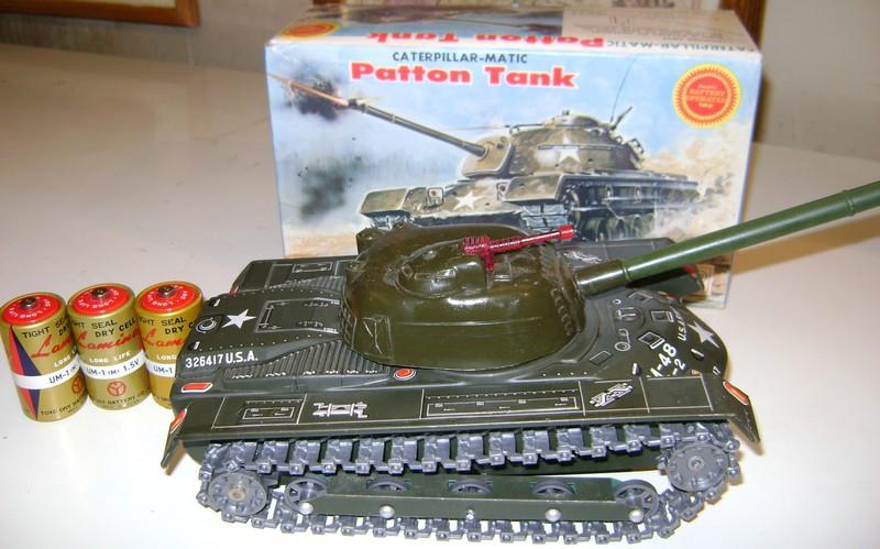 Les jouets militaires en tôle, plastique ou bois. Dsc08513