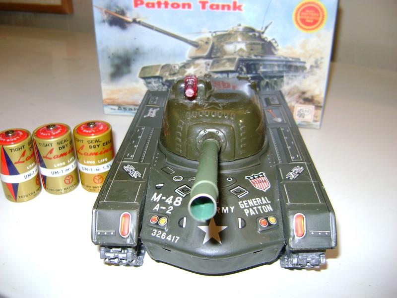 Les jouets militaires en tôle, plastique ou bois. Dsc08514