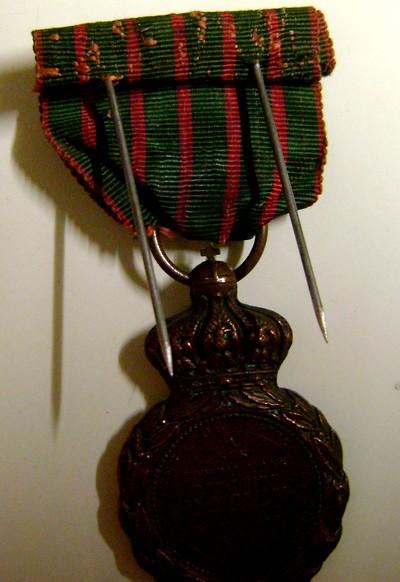 Les rubans de la médaille de Sainte Hélène. Dsc08536