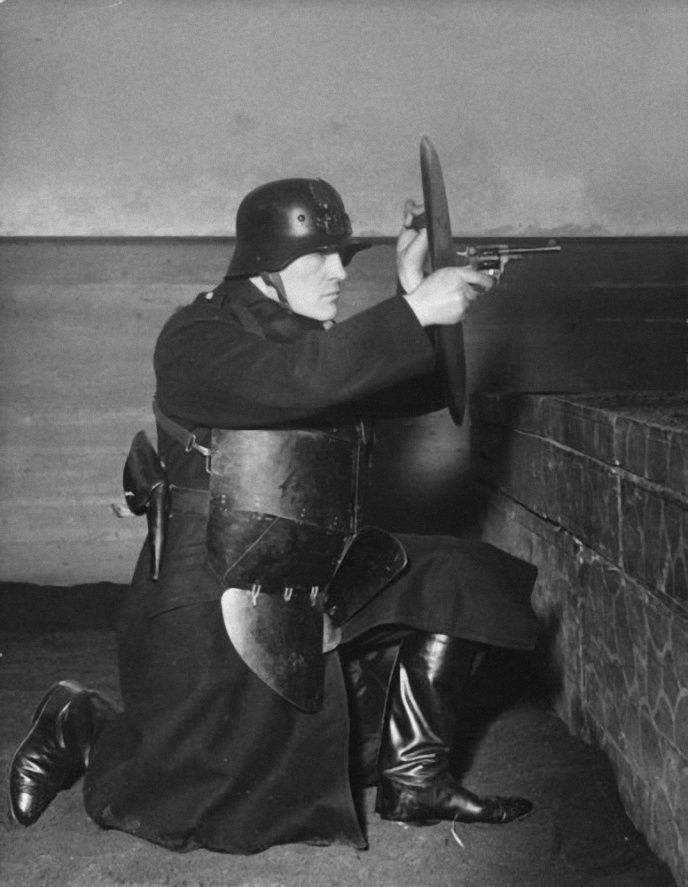 Gendarmes autrichiens Police11