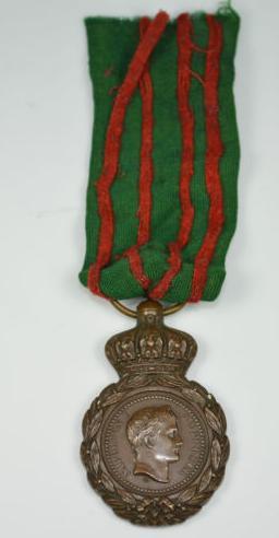 Les rubans de la médaille de Sainte Hélène. Sans_t31