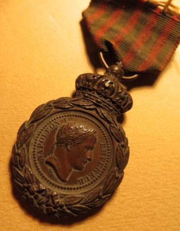 Les rubans de la médaille de Sainte Hélène. Sans_t32