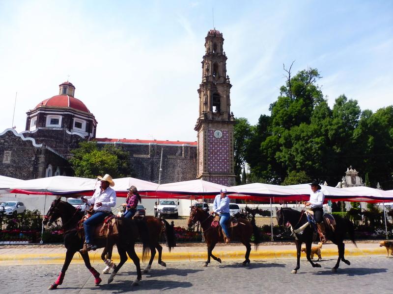 Semaine Sainte à Teotihuacán Mexico P1110013