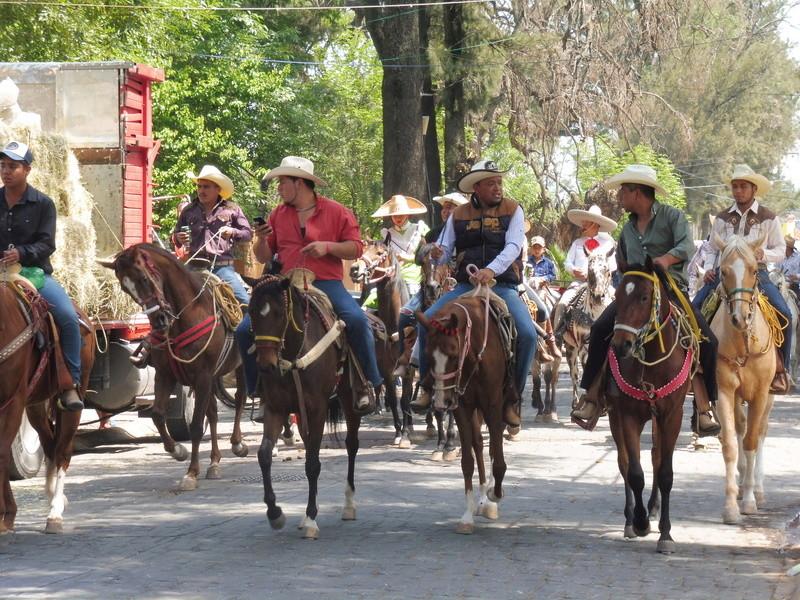 Semaine Sainte à Teotihuacán Mexico P1110016