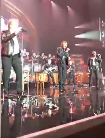 Johnny :17 dates uniques pour assister au show des Vieilles Canailles  Captur89