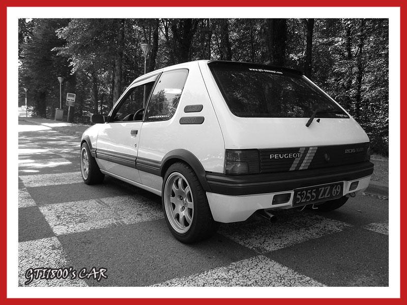 [GTI1800] 205 GTI 1L9 Blanc Meije AM88  - Page 3 Img_0610