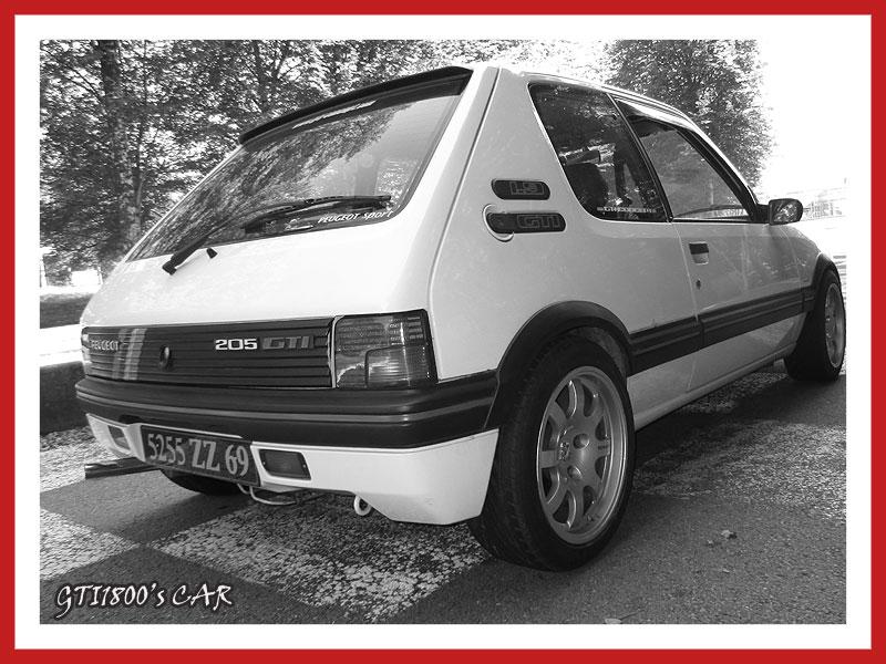 [GTI1800] 205 GTI 1L9 Blanc Meije AM88  - Page 3 Img_0611