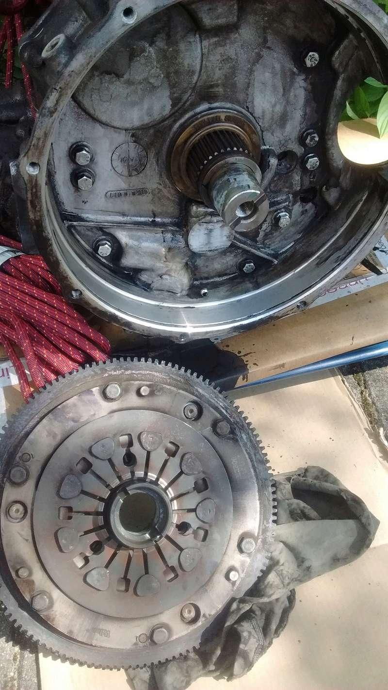 Bruit inquiétant moteur en charge, boite ? Img_2011