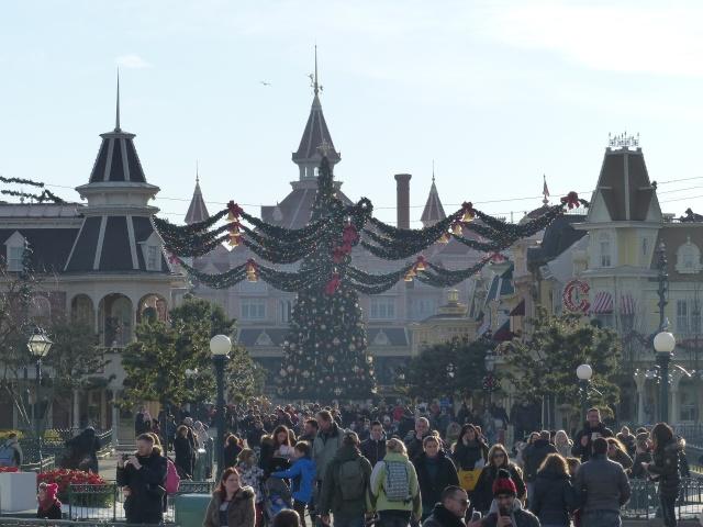 TR séjour magique & topissime à Disneyland Paris - Sequoia Lodge (GFC) - du 17/12/13 au 20/12/13 [Saison 3 Terminée - Épisode 11 – Épisode final !  posté le 25/11/2014 !] - Page 4 P1000443