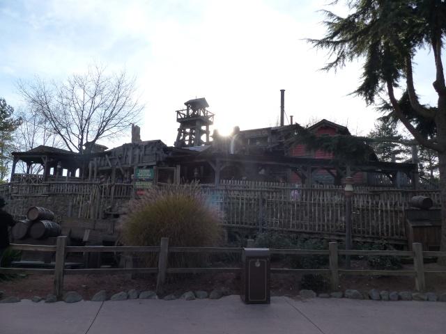 TR séjour magique & topissime à Disneyland Paris - Sequoia Lodge (GFC) - du 17/12/13 au 20/12/13 [Saison 3 Terminée - Épisode 11 – Épisode final !  posté le 25/11/2014 !] - Page 4 P1000457