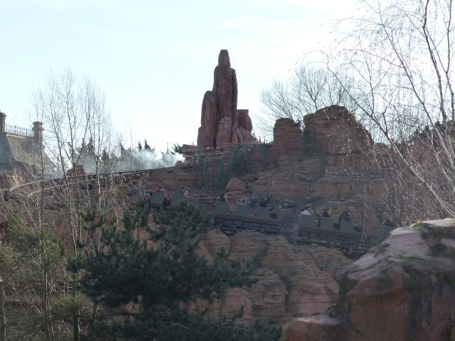 TR séjour magique & topissime à Disneyland Paris - Sequoia Lodge (GFC) - du 17/12/13 au 20/12/13 [Saison 3 Terminée - Épisode 11 – Épisode final !  posté le 25/11/2014 !] - Page 4 P1000461