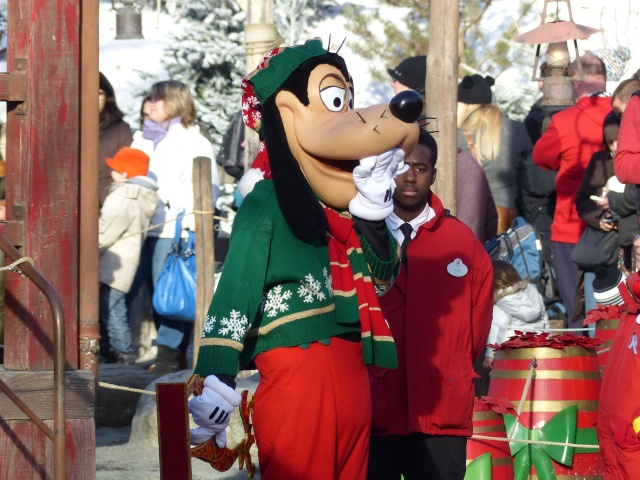 TR séjour magique & topissime à Disneyland Paris - Sequoia Lodge (GFC) - du 17/12/13 au 20/12/13 [Saison 3 Terminée - Épisode 11 – Épisode final !  posté le 25/11/2014 !] - Page 4 P1000468