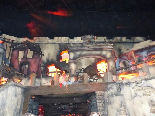 TR séjour magique & topissime à Disneyland Paris - Sequoia Lodge (GFC) - du 17/12/13 au 20/12/13 [Saison 3 Terminée - Épisode 11 – Épisode final !  posté le 25/11/2014 !] - Page 4 P1000511