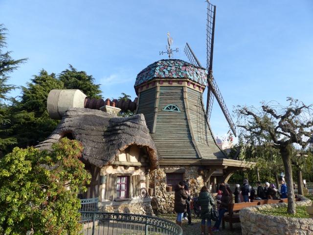 TR séjour magique & topissime à Disneyland Paris - Sequoia Lodge (GFC) - du 17/12/13 au 20/12/13 [Saison 3 Terminée - Épisode 11 – Épisode final !  posté le 25/11/2014 !] - Page 4 P1000513