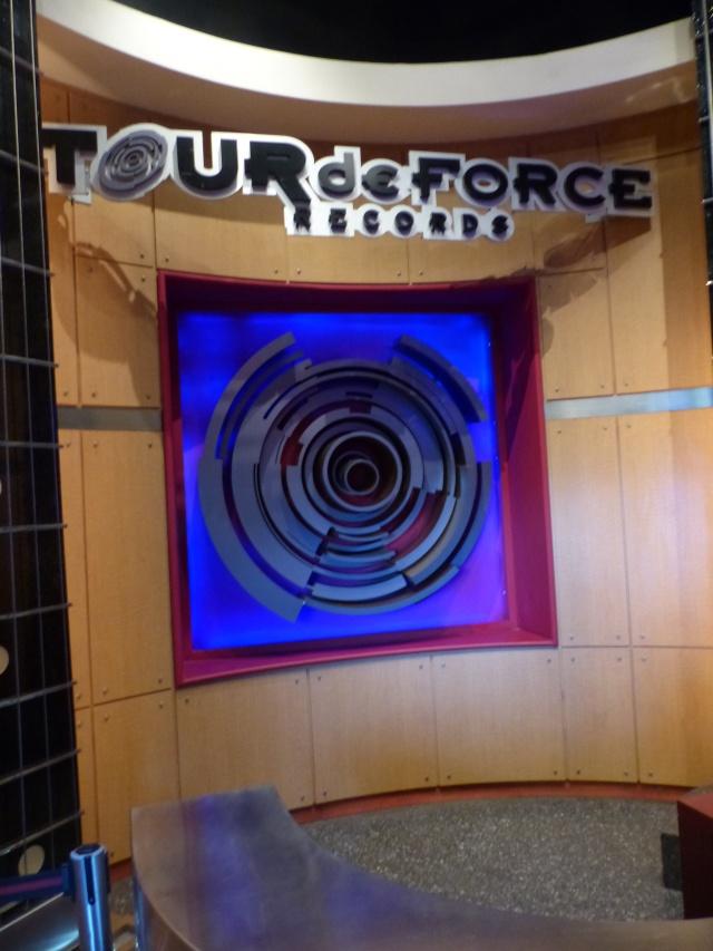 TR séjour magique & topissime à Disneyland Paris - Sequoia Lodge (GFC) - du 17/12/13 au 20/12/13 [Saison 3 Terminée - Épisode 11 – Épisode final !  posté le 25/11/2014 !] - Page 14 P1010121