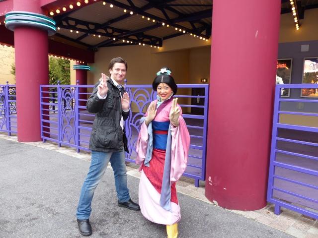 TR séjour magique & topissime à Disneyland Paris - Sequoia Lodge (GFC) - du 17/12/13 au 20/12/13 [Saison 3 Terminée - Épisode 11 – Épisode final !  posté le 25/11/2014 !] - Page 14 P1010134