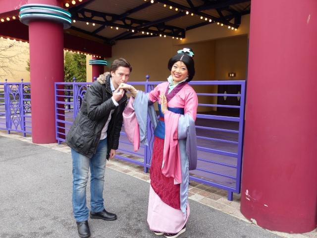 TR séjour magique & topissime à Disneyland Paris - Sequoia Lodge (GFC) - du 17/12/13 au 20/12/13 [Saison 3 Terminée - Épisode 11 – Épisode final !  posté le 25/11/2014 !] - Page 14 P1010135