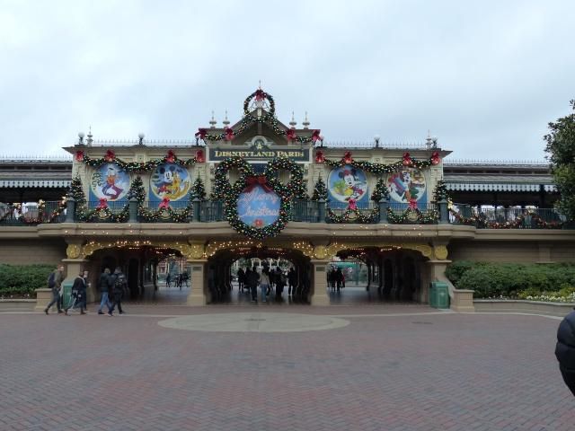 TR séjour magique & topissime à Disneyland Paris - Sequoia Lodge (GFC) - du 17/12/13 au 20/12/13 [Saison 3 Terminée - Épisode 11 – Épisode final !  posté le 25/11/2014 !] - Page 14 P1010152
