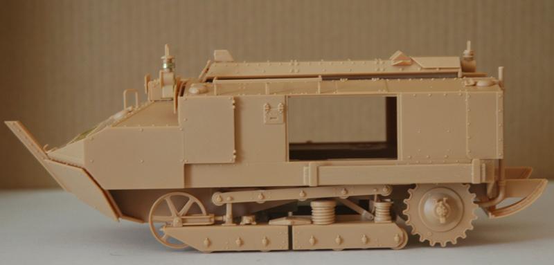 Le Schneider Ca Armored de Hobby Boss au 1/35ème 00710