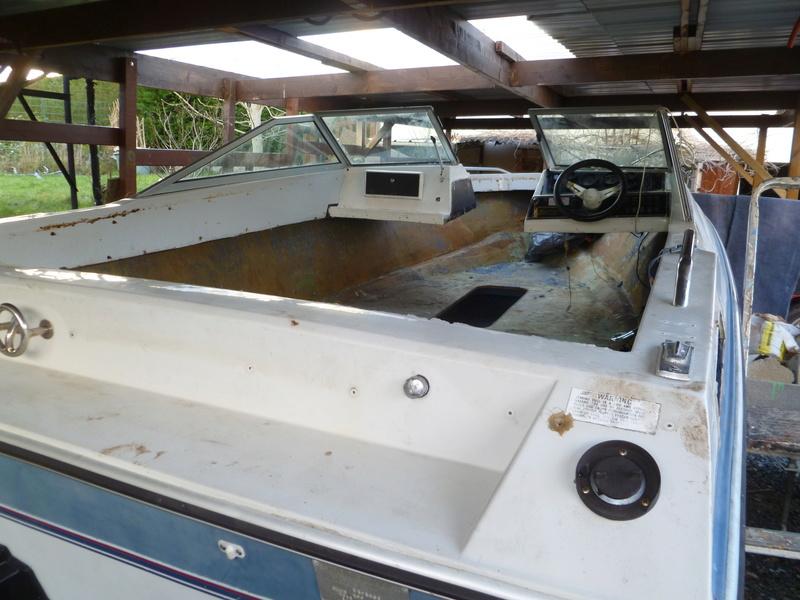 Démontage d'un bateau a moteur et réfection totale P1050412