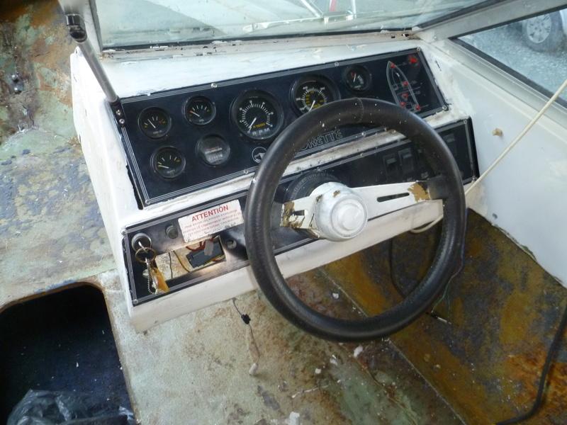 Démontage d'un bateau a moteur et réfection totale P1050417