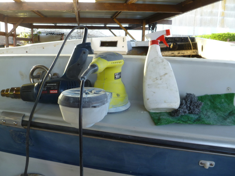 Démontage d'un bateau a moteur et réfection totale P1050529