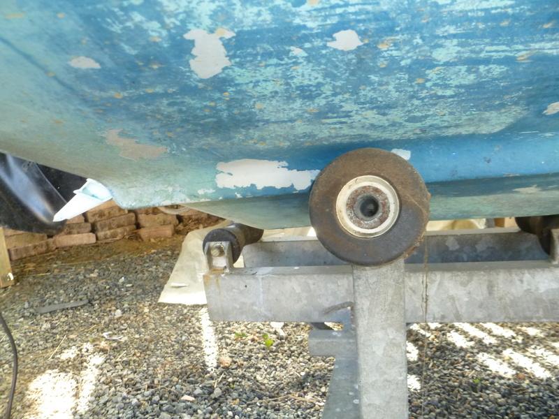 Démontage d'un bateau a moteur et réfection totale P1050611