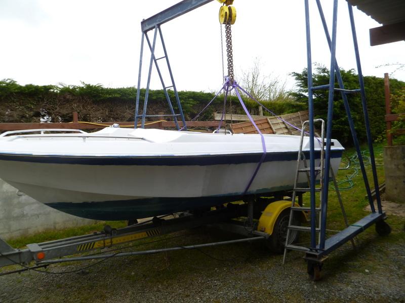 Démontage d'un bateau a moteur et réfection totale P1050629