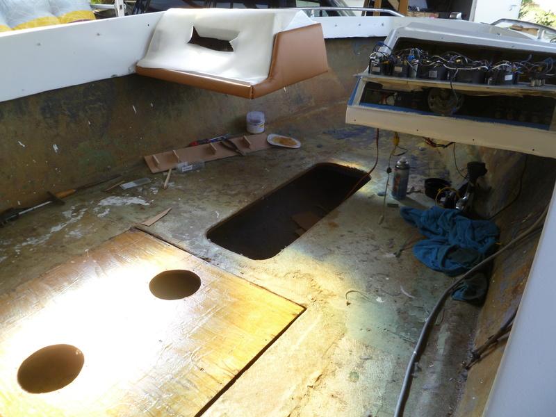 Démontage d'un bateau a moteur et réfection totale P1050712