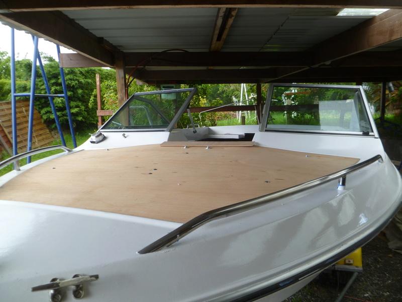 Démontage d'un bateau a moteur et réfection totale P1050734
