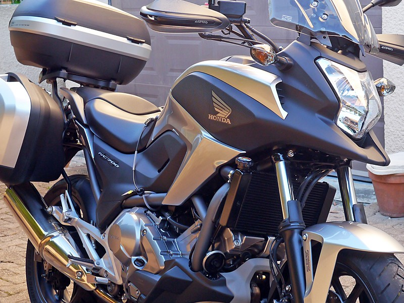 Honda DN-01 la moto de Batman! - Page 3 P1030912