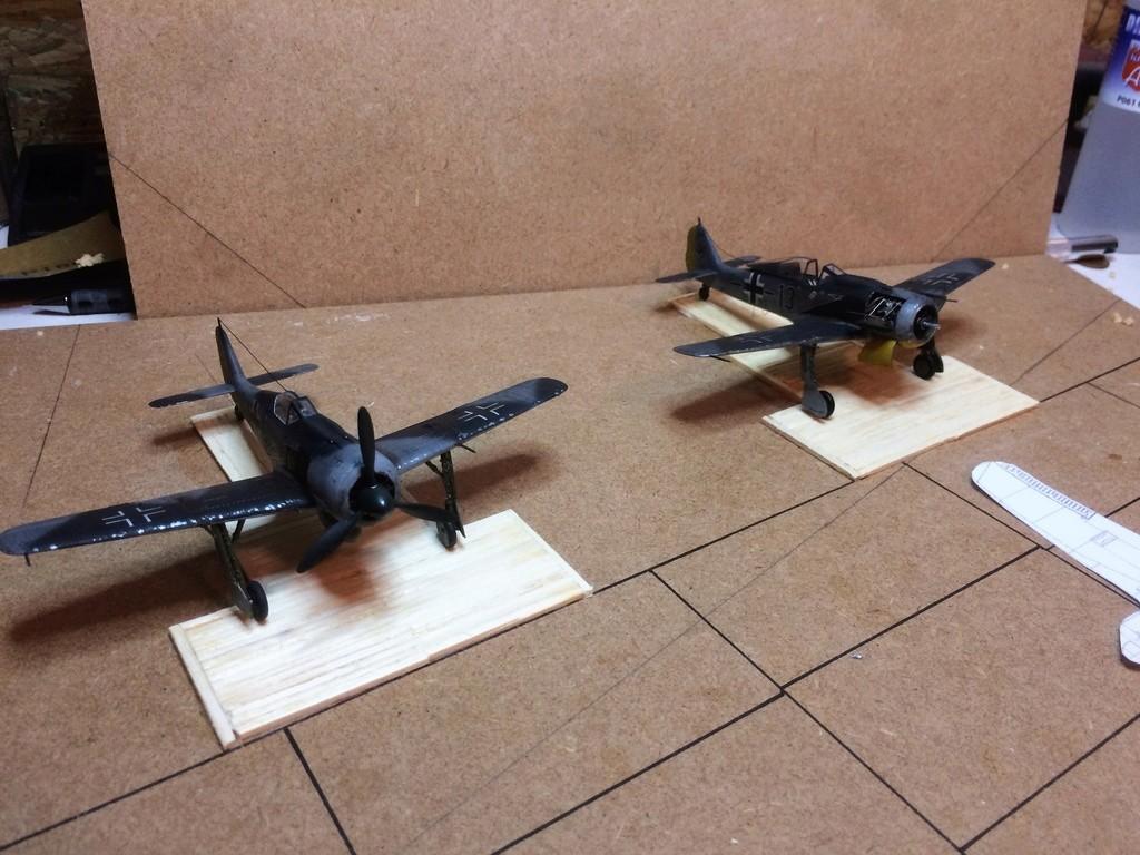 FW 190A8 - EDUARD ROYAL CLASS + Brassin -1/72 + projet diorama (Trois avions terminés) - Page 4 Img_7614