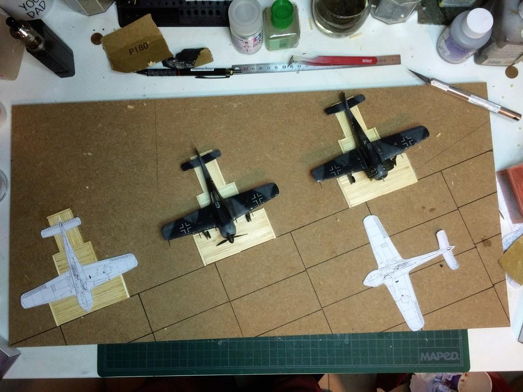 FW 190A8 - EDUARD ROYAL CLASS + Brassin -1/72 + projet diorama (Trois avions terminés) - Page 4 Img_7615