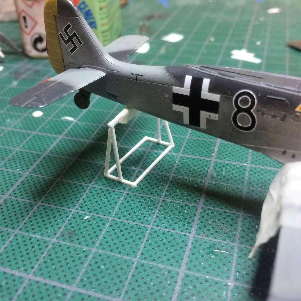 FW 190A8 - EDUARD ROYAL CLASS + Brassin -1/72 + projet diorama (Trois avions terminés) - Page 5 Img_7648