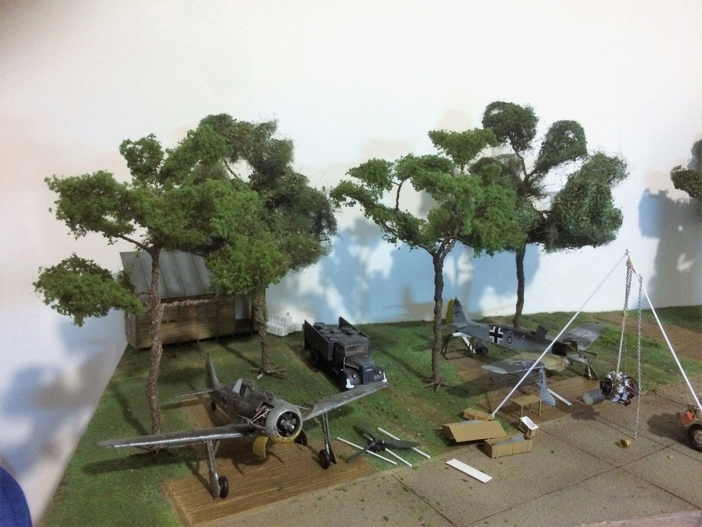 FW 190A8 - EDUARD ROYAL CLASS + Brassin -1/72 + projet diorama (Trois avions terminés) - Page 6 Img_7744