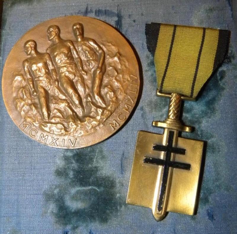 """Croix de compagnon de la Libération du Général """" Yves EZANNO"""" Dscn6419"""
