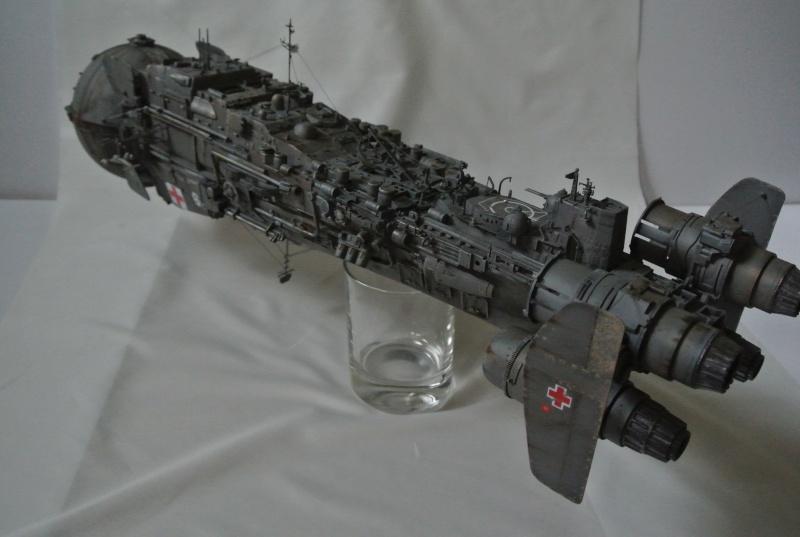 vaisseau hopital 1/350 Dsc_3011