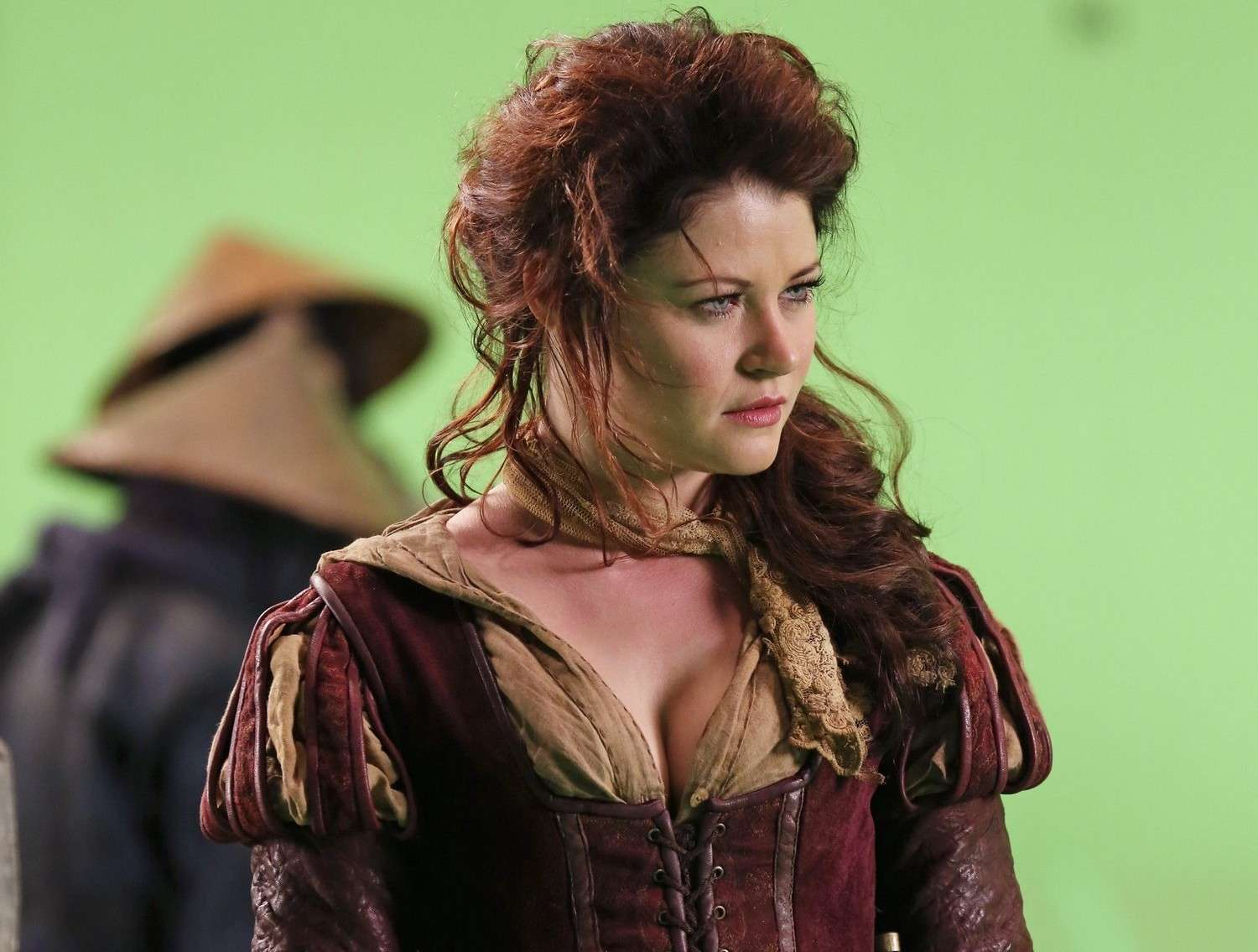 Stills and BTS - Page 3 Belle_10