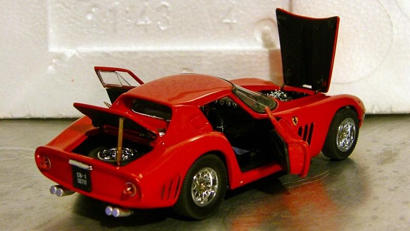 SERIE 3000 - Ferrari 250 GTO '64 Gto64_28