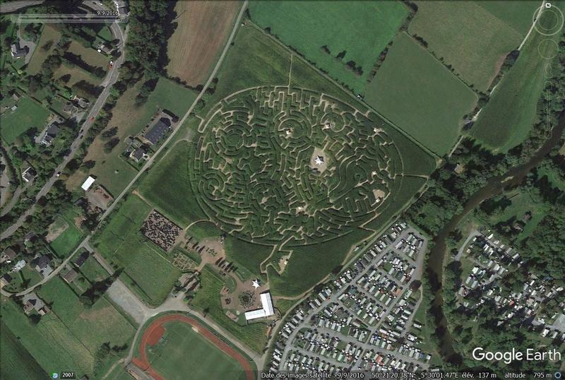 Les labyrinthes découverts dans Google Earth - Page 22 Labyri12