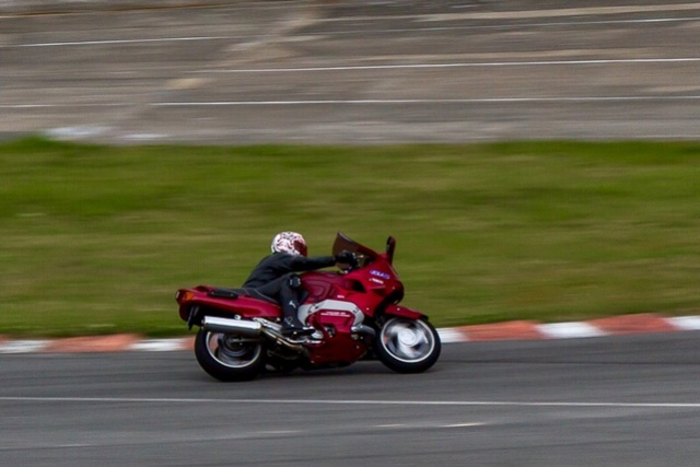 roulages motos, piste, circuit - Page 3 Img_0310