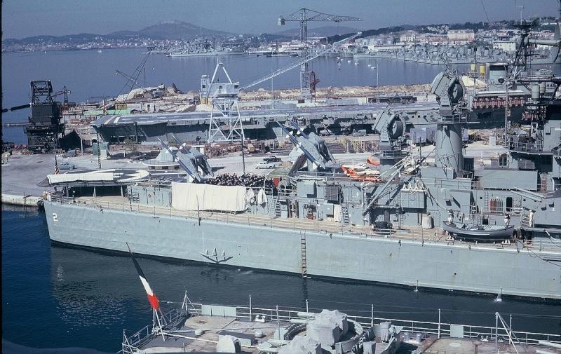 [Les ports militaires de métropole] TOULON au début des années 60 251