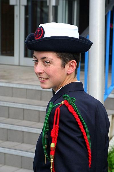 Une jeune-fille élève fusilier marin... 397