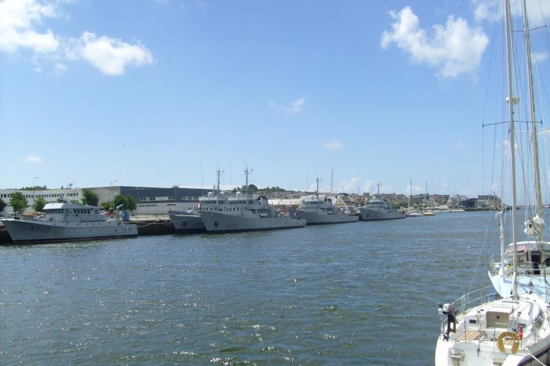 [Vie des ports] LE PORT DE CONCARNEAU - Volume 005 - Page 3 474