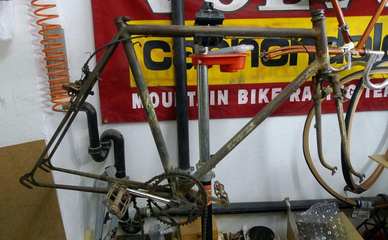 Vélo de course d'avant-guerre - Page 2 P1080111