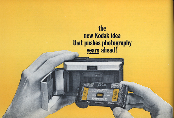 Premier appareil photo Instamatic Pp-19610