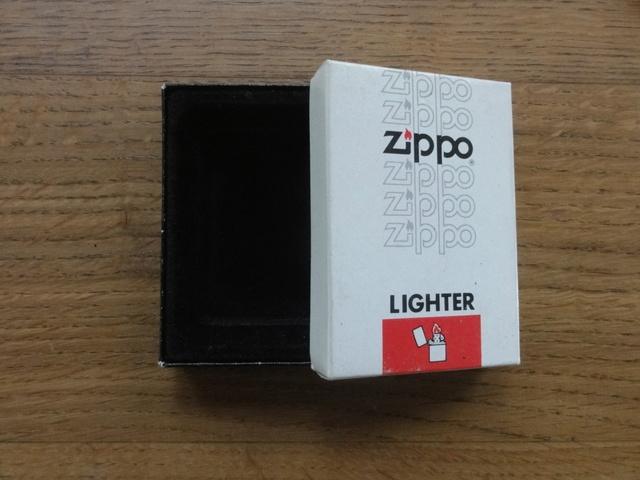 Les boites Zippo au fil du temps Dsc07711