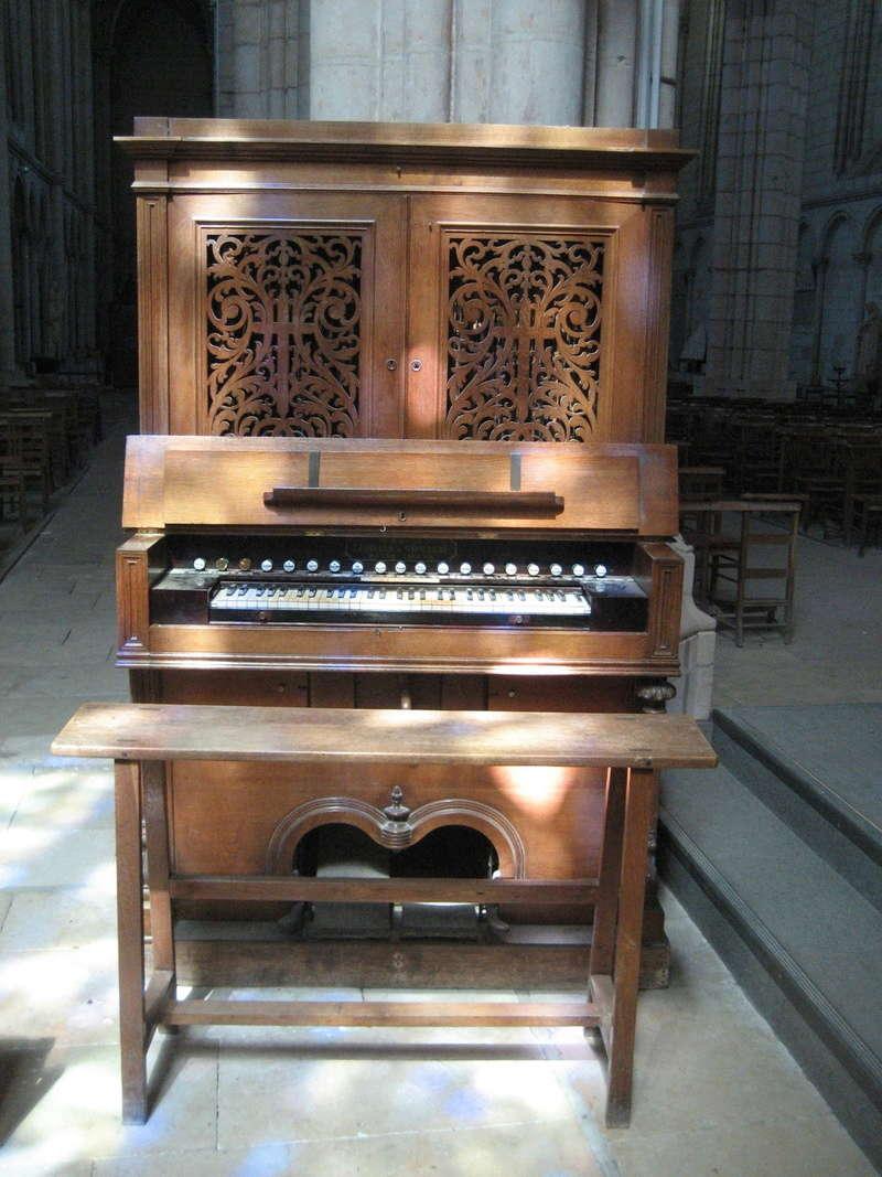 Harmonium du Puy Notre Dame Img_2210