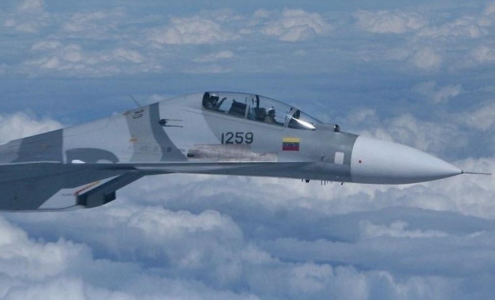 Armée Vénézuelienne - Page 3 Su-30m13