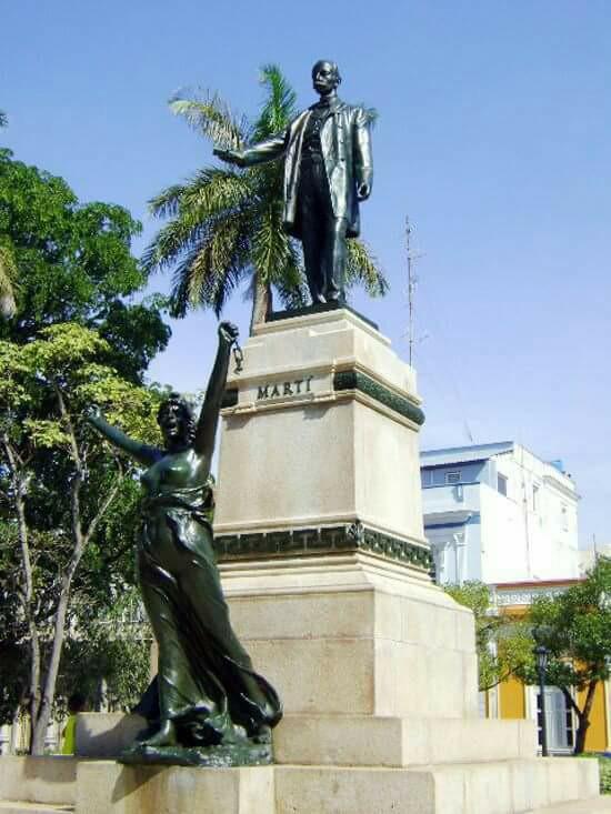 Estatua del Apóstol José Martí en el Parque de la Libertad, Matanzas Marty_10